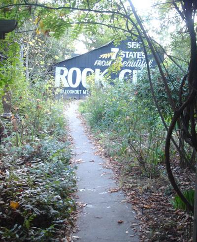 Lucky-Mojo-Barn-with-See-Rock-City-Sign-via-Path-at-the-Lucky-Mojo-Curio-Company