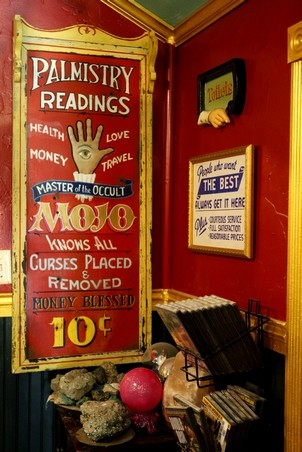 Signs-for-Palm-Reading-at-the-Lucky-Mojo-Curio-Company
