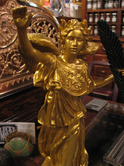 Liberty-Statue-on-the-counter-at-the-Lucky-Mojo-Curio-Company