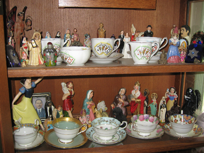 Teacup-Shelf-at-the-Yronwode-Institute