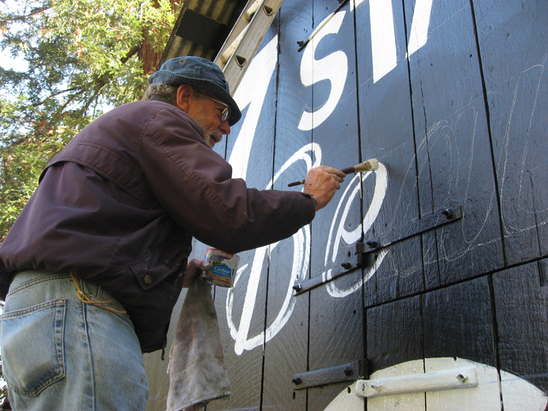 see-rock-city-barn-lucky-mojo-curio-company-lenny-weinsteing-sign-painter